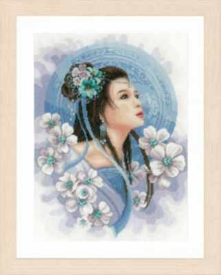 PN-0169168 Asian lady in blue (Lanarte)